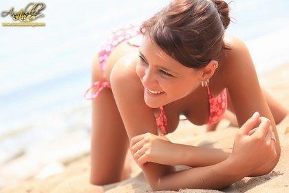 annabelle angel hot bikini babe2