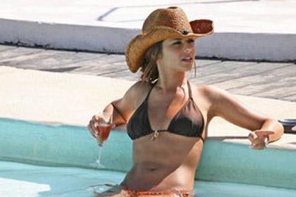 cheryl_cole_bikini_cowboy_hat