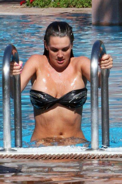 Danielle Lloyd bikini8