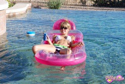 diddylicous bikini babe