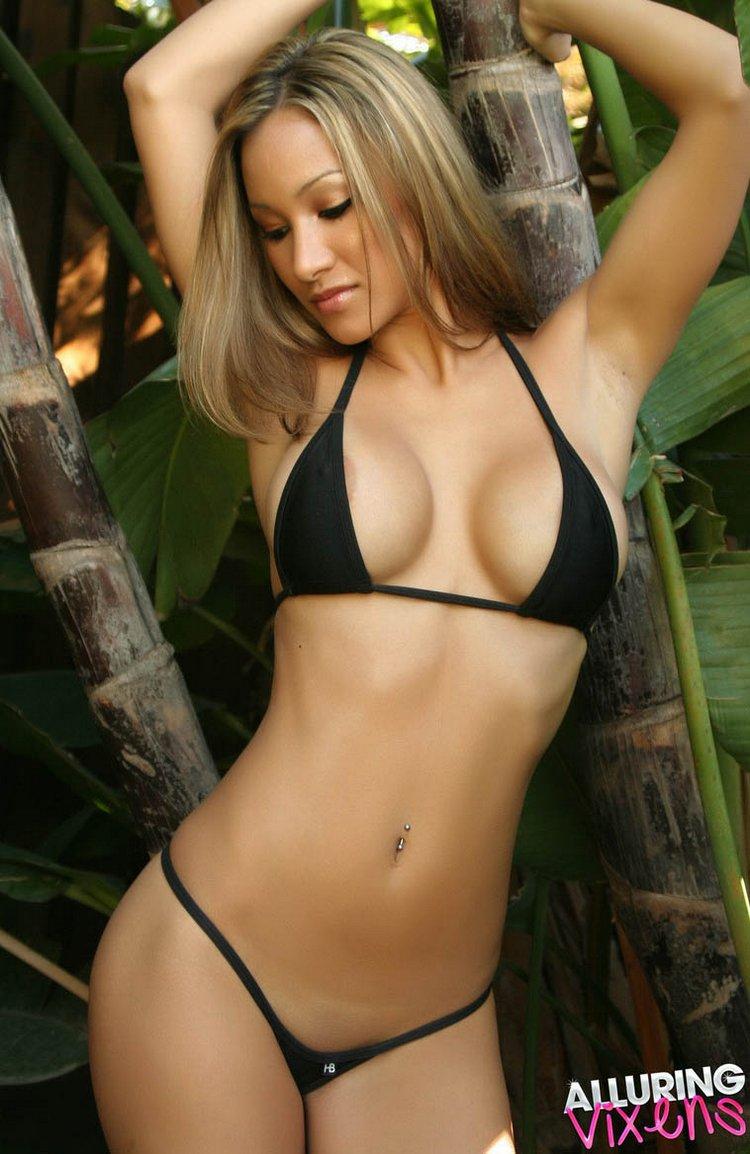 sexy hot bikini babe